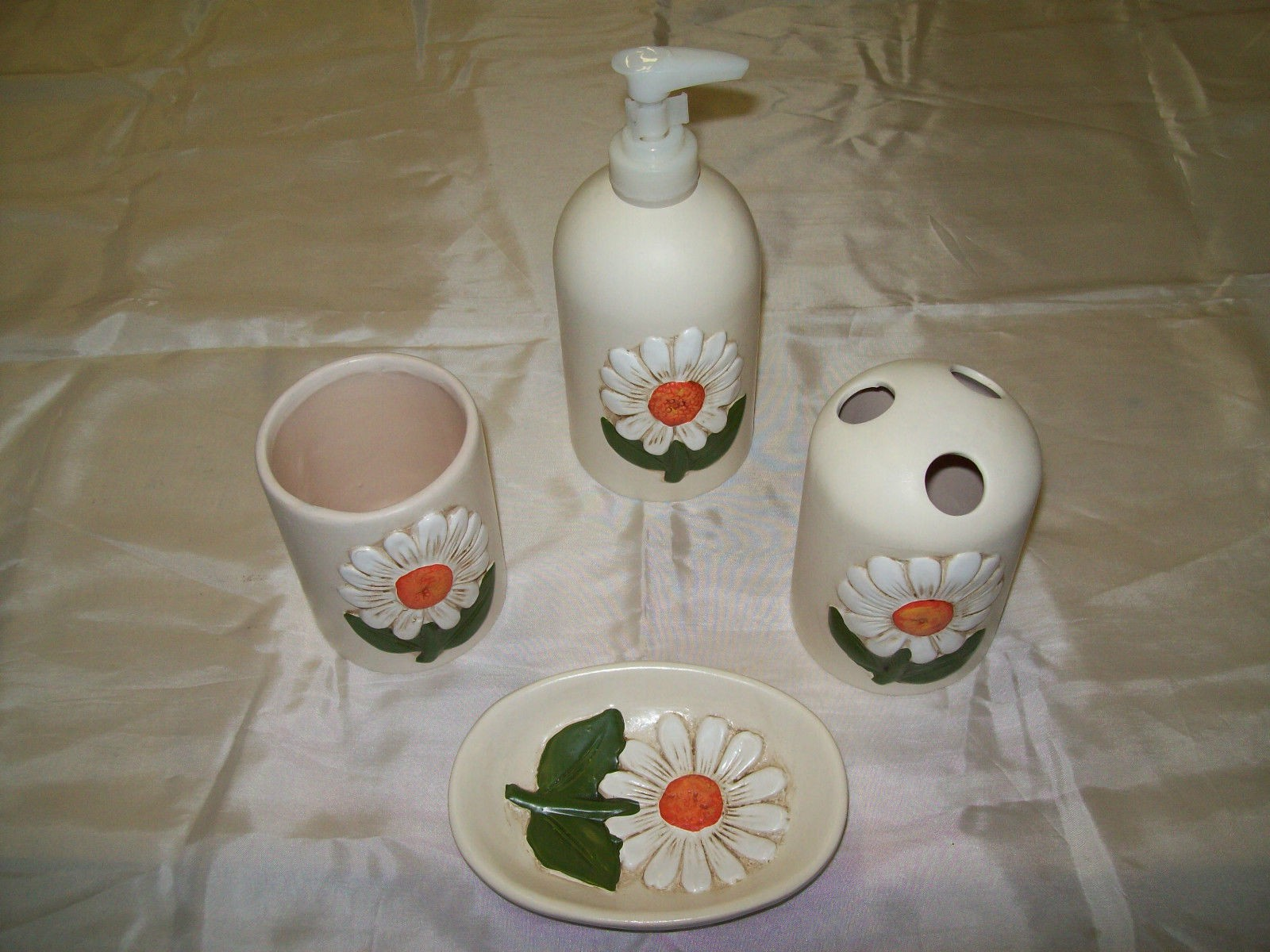 Bathroom set pieces ceramic like thun